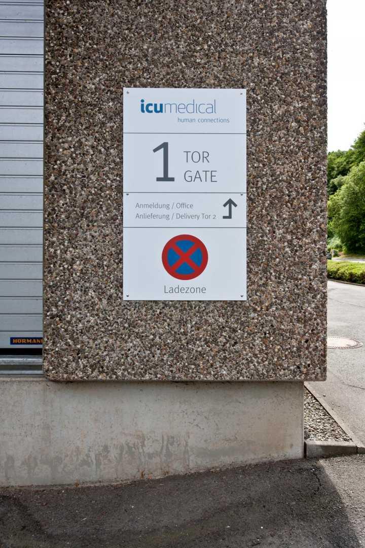 Gebäudekennzeichnung - Pylone, Hinweisschilder, Außenwerbung, Leitsysteme
